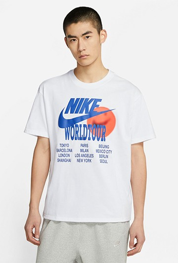 Camiseta Nike Sportswear World Tour blanca