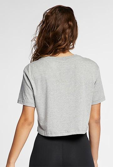 Camiseta Nike Sportswear Essential gris