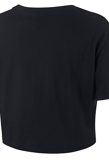 Camiseta Nike Sportswear Essential negra
