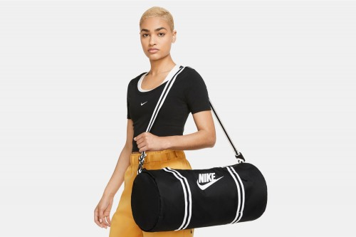 Bolsa Nike Heritage Negras