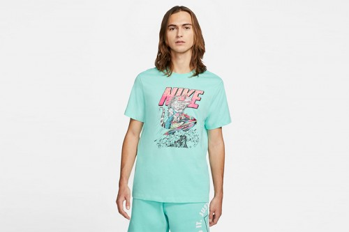 Camiseta Nike Sportswear verde
