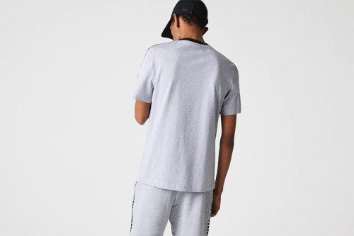 Camiseta Lacoste rayas estampadas gris