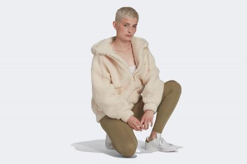 Chaqueta adidas SHERPA JACKET blanca