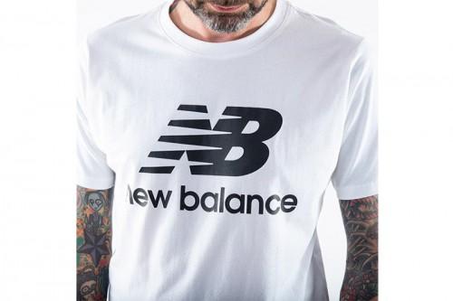Camiseta New Balance Essentials Logo Blanca