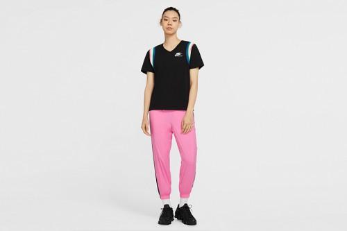 Camiseta Nike Sportswear Heritage Women negra