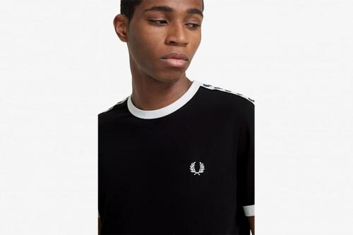 Camiseta Fred Perry Ringer con cinta deportiva negra
