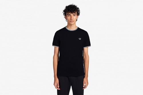 Camiseta Fred Perry con ribete con dos franjas negra