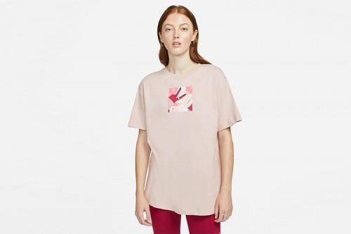 Camiseta Nike Sportswear Rosa