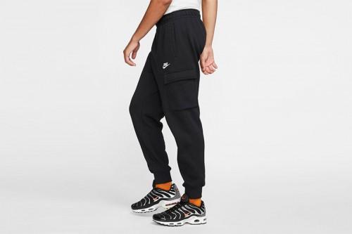 Pantalón Nike Sportswear Club Fleece negro